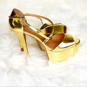 ‼️Gold high heel sandals‼️
